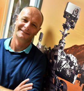 Photo d'Éric Lorigny, responsable des instruments français embarqués sur Curiosity